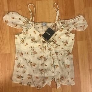 NEW NEVER WORN!! Floral blouse